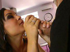 скачать порно ролик кончают в рот