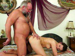 Порно русских старушек с молодыми